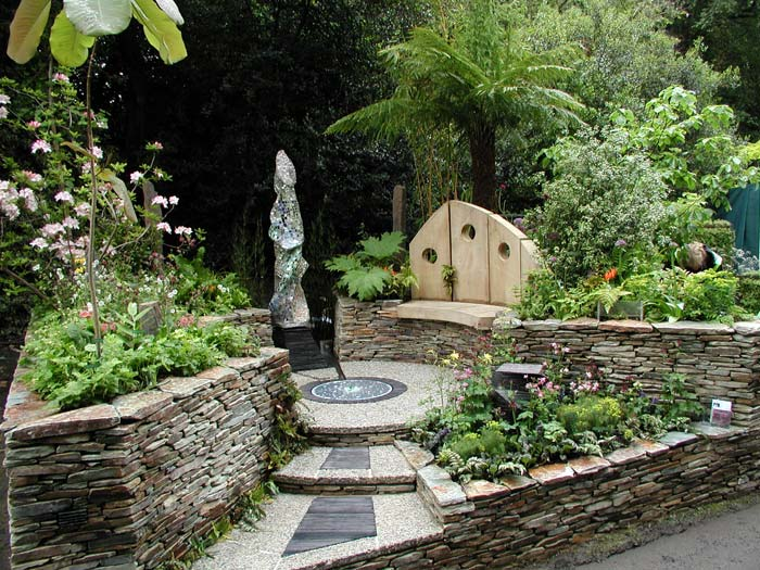 Oasis Garden Design pipe dream was designed by alison douglas is a hidden oasis in a busy city as a garden to relax garden design is also included in the boutique garden A Cornish Oasisjpg