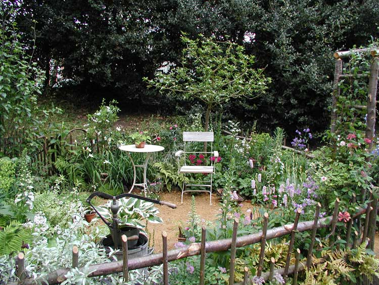 Rhs chelsea flower show awards 2005 international design for Courtyard garden ideas
