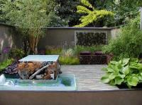 simons-garden-with-va-va-voom.JPG