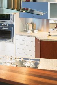 Parbury Kitchen Cabinets
